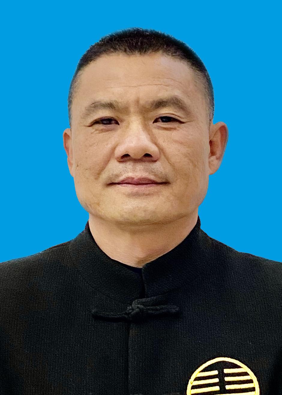 理事李坤先生
